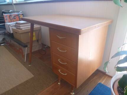 """VINTAGE RETRO MID-CENTURY 1970s """"Blonde"""" WOOD DESK WITH MELAMITE Mount Lawley Stirling Area Preview"""