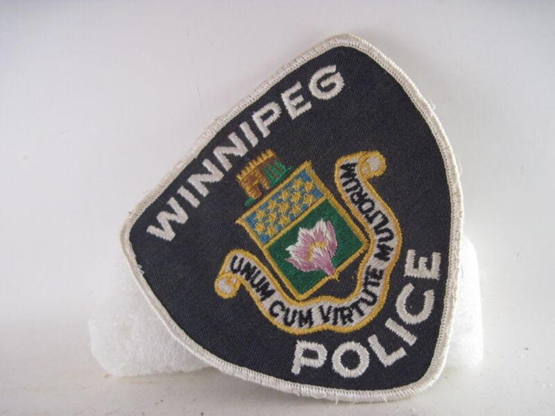 Winnipeg Police.   patch  (3o10  31 )