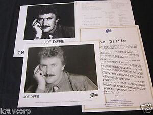 JOE-DIFFIE-A-THOUSAND-WINDING-ROADS-1990-PRESS-KIT-PHOTO