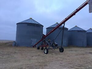 Next to new Meridian HD 8-39 auger