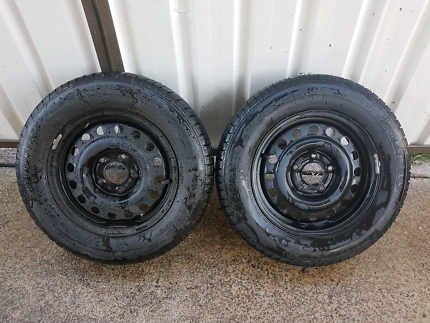 2x 15 inch commodore wheels tyres stockies good tread Newcastle Newcastle Area Preview