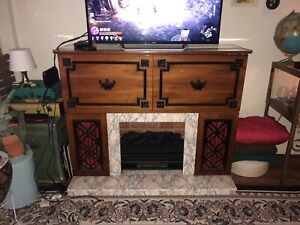 One of a kind - fireplace/stereo/bar