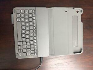 Logictech Ultrathin Keyboard Folio for iPad mini