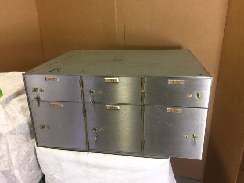 "Diebold Safe Safety Deposit Bank Vault 1/2"" Thick Doors 6 Box Lock Boxes 497-L"