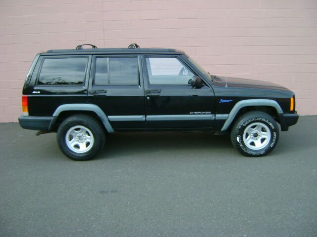 Image 1 of Jeep: Cherokee Sport…