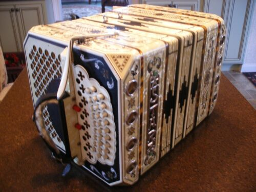 STAR CONCERTINA ... A BOX ... With case ...accordion