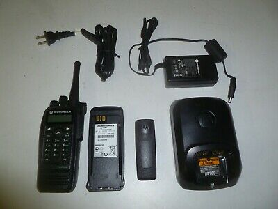 Motorola Trbo Xpr6550 403-470 Mhz Uhf Two Way Radio W Charger Aah55qdh9la1an