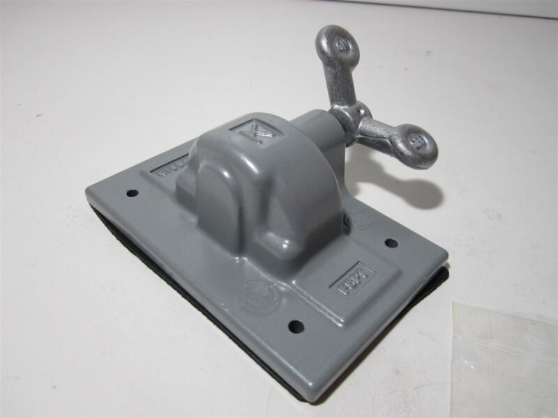 Hubbell Killark (FSPT) Gray Aluminum Weather Proof Toggle Switch Plate w/ Gasket