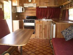 1985 Viscount 25 ft caravan with full annexe. Victoria Point Redland Area Preview