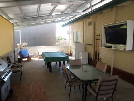 600m to CBD Aircon lockable furnished,wifi,Foxtel,Elec,included Gladstone Gladstone City Preview