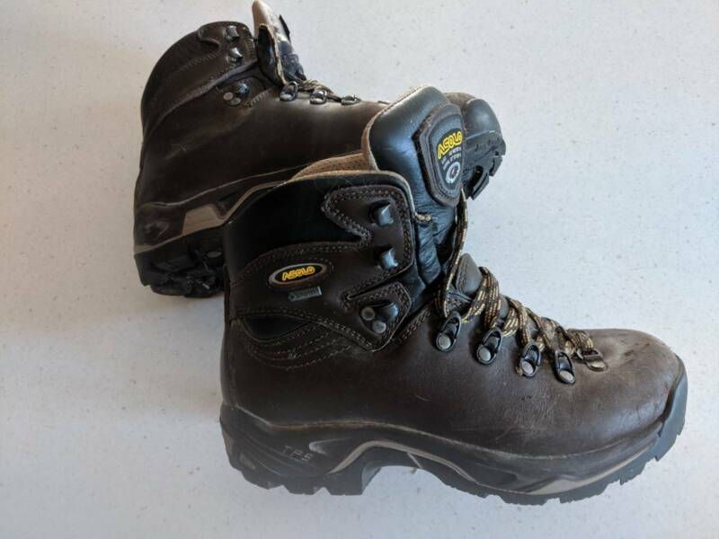 0d6269c5871 ASOLO TPS 520 GTX hiking boots Lady's size 8 | Camping & Hiking ...