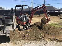 Excavation :  mini Excavation. Nivellement de terrain