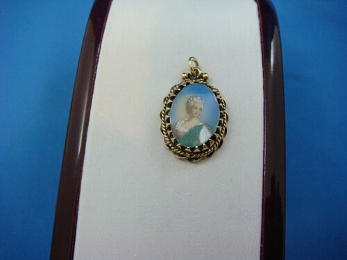 RARE, 14K GOLD ANTIQUE SMALL HAND PAINTED PORTRAIT PENDANT-CHARM 3.2 GRAMS