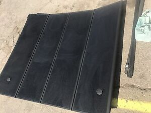 Tri fold hard tonneau for short box 2015 Dodge