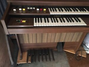 Yamaha Electone A-40 electric organ with bench