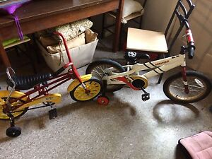 2 kids bicycle with training wheels