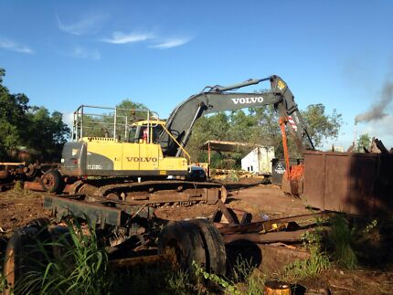Excavator hire dry or wet  Mapleton Maroochydore Area Preview