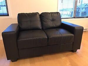 2 divans (sofa)  - 1 trois places, 1 2 places