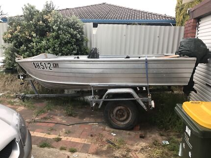Dingy tinny boat and trailer