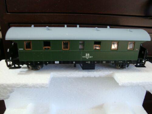 Tillig TT Bahn #13214 Personenwagen. NEW