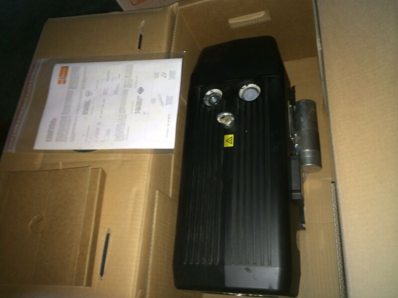 Busch Seco SV 1040 C 000 IOXX Dry Rotary Vane Vacuum Pump New