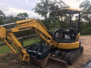3 tonne excavator and operator for hire Bonogin Gold Coast South Preview