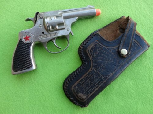 """HUBLEY TROOPER 7"""" WITH SCABBARD."""