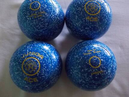 lawn  bowls     new  junior  taylor  ace  real  lawn  bowls