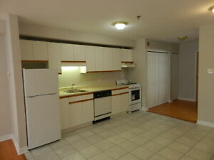 3034 WINDSOR STREET 1 BR APARTMENT AVAILABLE NOW