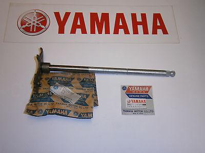 <em>YAMAHA</em> TX500 XS500   ENGINE GEAR SHIFT SHAFT