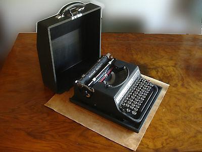 """HISPANO OLIVETTI """"STUDIO 46"""" (1956) Hierro - portátil MS 46 - TODO funciona"""
