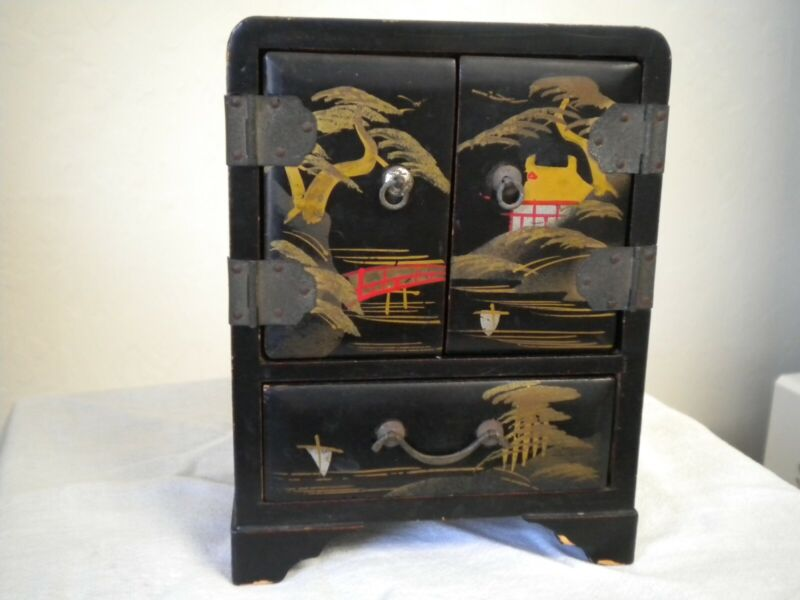 Vtg 1940s Small Chinese Asian Hand Painted Lacquer Jewelry Box with Drawers