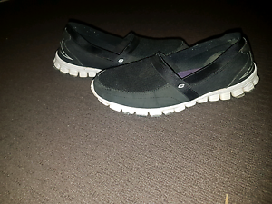 Sketchers lite size us7 Kinross Joondalup Area Preview