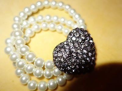Vintage reproduction 80s style large metal diamante heart faux pearl bracelet