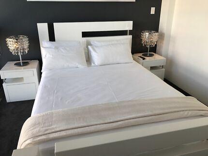 AS NEW ; Queen Bedroom suite ; MASSIVE save $$s
