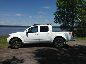 2012 Nissan Frontier PRO-4X Crew Cab Pickup Truck