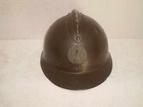 WW2 French M26 steel helmet with badge, original,.