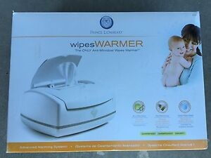 Wipes warmer with pad