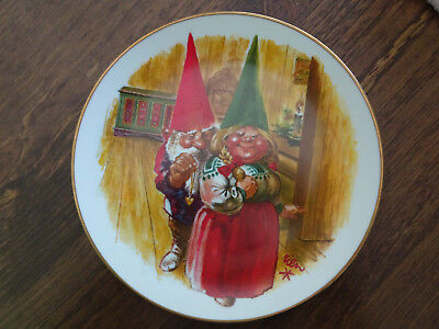 "Gnome Collector Plate ""GIFT OF LOVE"" 1981 by Rien Poortvliet"