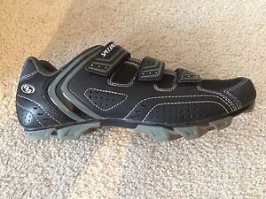 Specialized Mountain Bike Shoes size 43 (US 9.6)