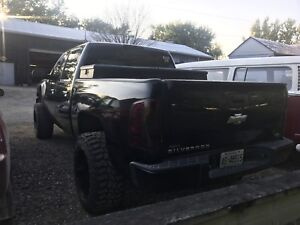 2007 chevy silverado (priced to sell)