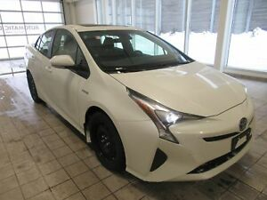2017 Toyota Prius Technology NO DAMAGE CLEAN CARPROOF