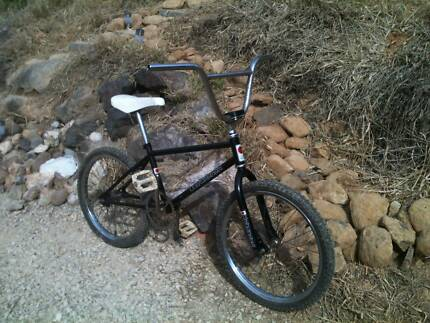 Old school BMX bike, for parts, wall hanger or restore.....
