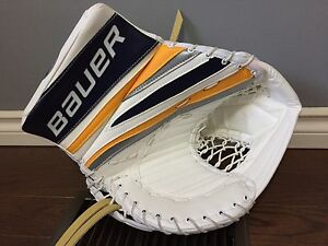 BAUER PRO SAMPLE GOALIE GLOVES & BLOCKERS