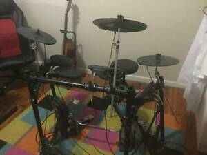 Drummer looking to join a Band.