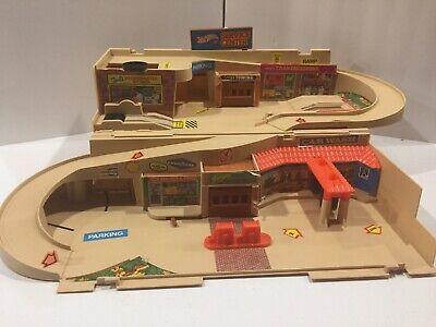 1979 VIntage MATTEL HOT WHEELS SERVICE CENTER CAR WASH Matchbox Toy 70s NICE!!!!