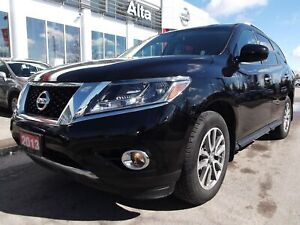 2016 Nissan Pathfinder S, FWD. Bluetooth. Alloy wheels.