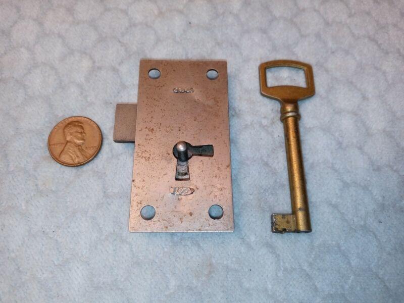 Cupboard Door Drawer Lock Yale Cabinet w/ Key