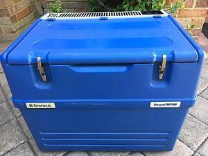 Chescold RC1180 3way fridge/freezer 50L Floreat Cambridge Area Preview