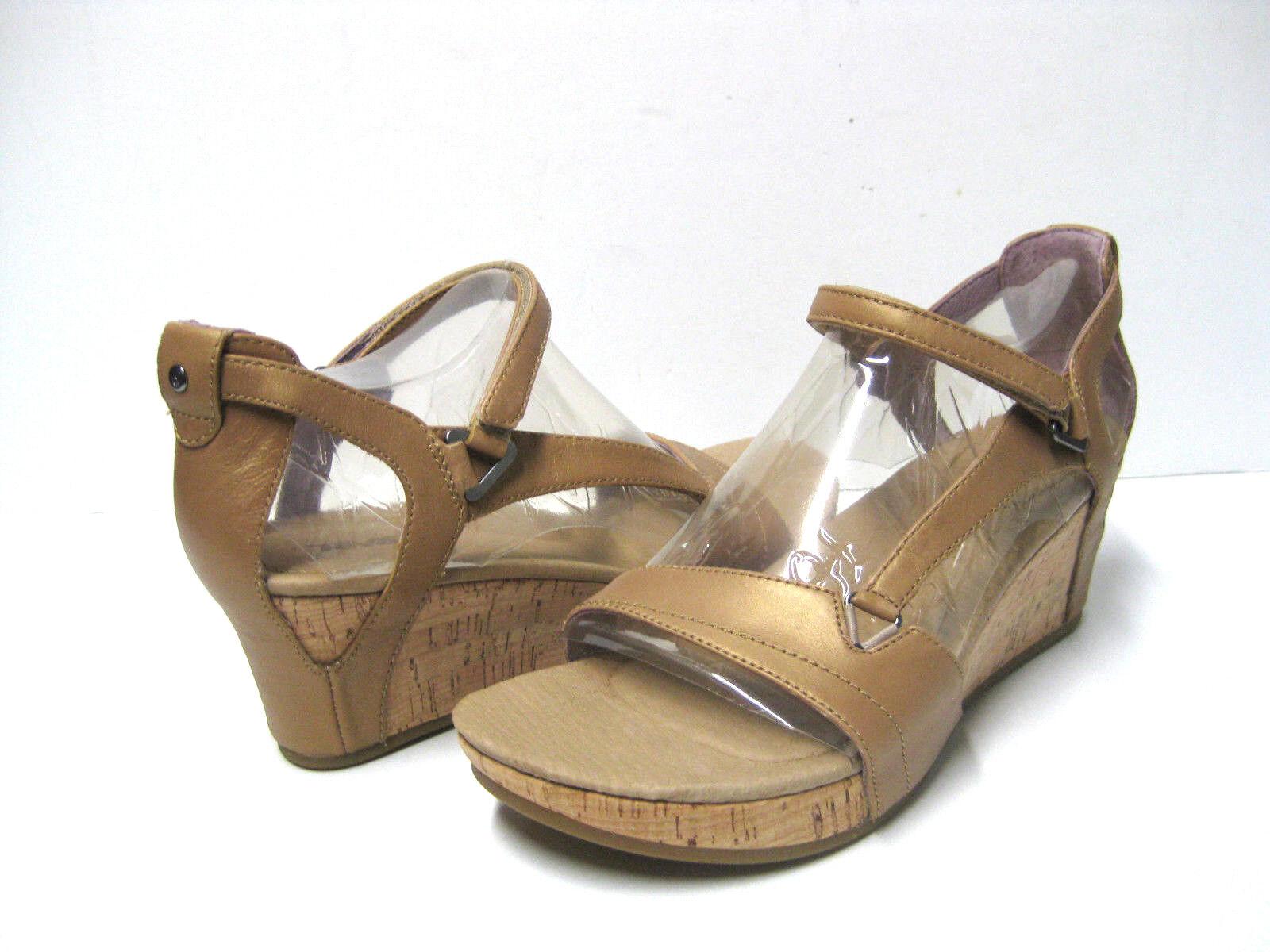 Teva Capri Wedge Pearlized Tan Women Sandals US7